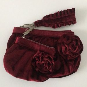 Betsey Johnson Betseyville Velvet Red Clutch Set.